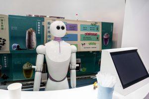 Ar robotai turės vaizduotę?