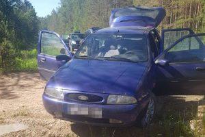 Pasieniečiai kontrabandininką Varėnos rajono keliukais vijosi 18 kilometrų