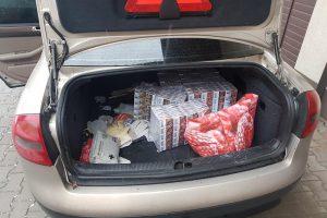 Pasieniečių laimikis uostamiestyje – tūkstančiai pakelių cigarečių
