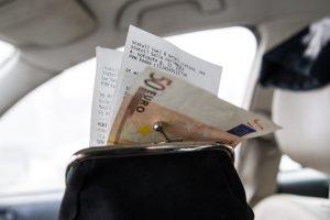 Vyriausybė įvardino, kokiomis priemonėmis bus siekiama mažinti kainas (papildyta)