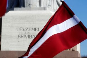 Latviai svarstys siūlymą trumpinti darbo savaitę iki 32 valandų