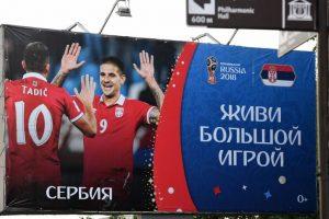 Nepaisydama kritikos Rusija rengia pasaulinę futbolo šventę (papildyta)