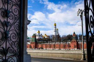 Netoli Kremliaus sulaikytas automobilį grasinęs susprogdinti vyras