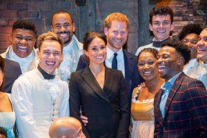 """Princas Harry su M. Markle stebėjo miuziklą """"Hamiltonas"""": pora juokavo visą šou"""