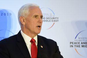 M. Pence'as: ES sąjungininkės turi trauktis iš Irano branduolinio susitarimo