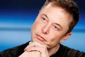 """E. Muskas įsigijo """"Tesla"""" akcijų beveik už 10 mln. JAV dolerių"""