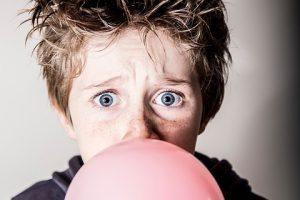 Kramtomoji guma vaikams: sveika ar ne?