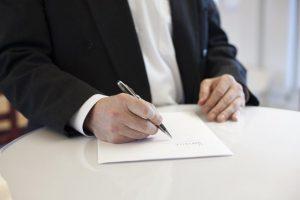Neišvengiama: milijonas dirbančiųjų nuo kitų metų turės keisti darbo sutartis