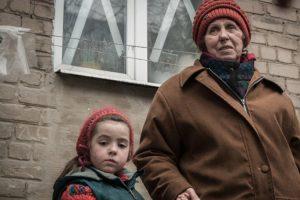 200 000 vaikų Rytų Ukrainoje gyvena nuolatiniame pavojuje