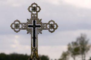 Telšių rajone išplėštos 4 koplytėlės: vogė šventųjų skulptūras ir maldaknyges