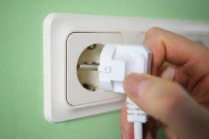Baltijos šalyse – priešingos elektros kainų tendencijos