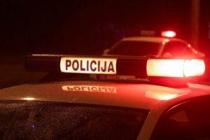Dingęs jonaviškis rastas nužudytas savo namų teritorijoje: sulaikytas įtariamasis