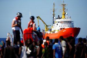 Viduržemio jūroje nuskendus dar vienai valčiai dingo 63 migrantai