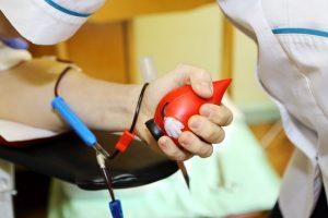Vasaros kaitra kerta ligoninėms: kraujo atsargos ir vėl išseko
