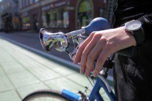 Klaipėdietė nukentėjo nuo dviratininko