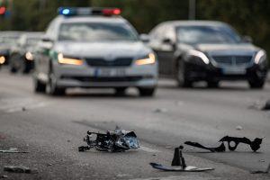 Praėjusi para keliuose: žuvo vienas žmogus, penki sužeisti