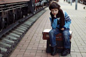 Planuojate kelionę traukiniu: pasirūpinkite vaikų saugumu