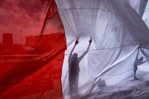 ES nurodymas: Lenkija privalo sustabdyti Aukščiausiojo Teismo reformą