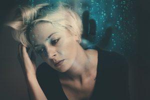 Eksperimentas rodo, kaip atsiranda pesimizmas: kodėl žmonės orientuojasi į negatyvumą