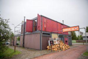 Į greitojo maisto restoraną nusitaikė ugnimi