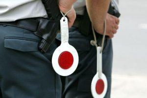 Policija birželį aktyviau kontroliuos chuliganiškus vairuotojus