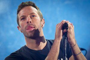 """""""Coldplay"""" vokalistas Ch. Martinas J. Lawrence iškeitė į kitą"""