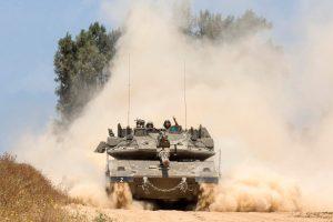 Izraelis smogė taikiniams Gazos Ruože, atsakydamas į apšaudymą raketomis
