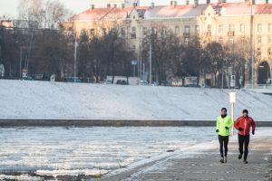 4 patarimai, kaip teisingai bėgioti žiemą