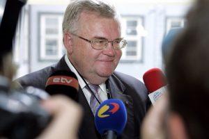 Nušalintas Talino meras: namuose rasti pinigai buvo skirti kojos protezui