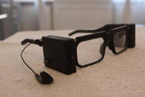 Lenkai 3D spausdintuvu pagamino išmaniuosius akinius akliesiems
