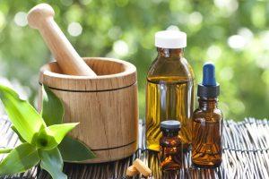 Homeopatiniai vaistai: kodėl vieni juos aukština, o kiti laiko pramanu?