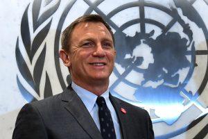 Filmų apie D. Bondą žvaigždė D. Craigas ragina Europą spręsti migrantų krizę