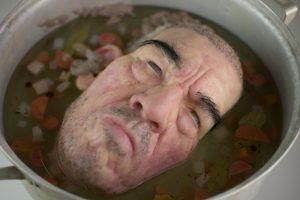 Menininkas sriuboje arba paroda, turinti skandalingumo aurą