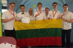 Iš tarptautinės fizikos olimpiados Indonezijoje – su keturiais medaliais