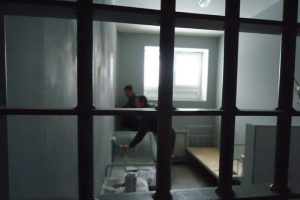 Alytaus pataisos namuose nuteistieji sumušė prižiūrėtoją