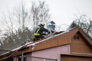 Paaiškėjo, nuo ko Kaune kilo vaikus pražudęs gaisras