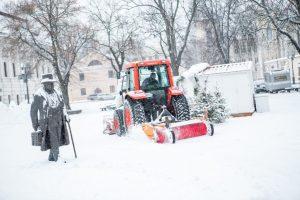 """""""Kauno švarai"""" – miesto priekaištai: nebarstomi šaligatviai pavojingi"""