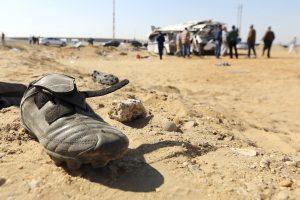 Nelaimės Egipte: autobuso ir traukinio avarijose žuvo 25 žmonės