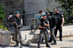 Vakarų Krante pašautas peiliu žydus puolęs palestinietis