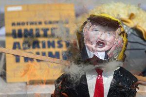 Australijos įstatymų leidėjai: D. Trumpas – bjaurus šliužas