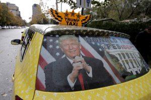 Nuogas amerikietis pagrobė taksi automobilį