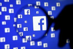 """""""Facebook"""", """"Microsoft"""", """"Twitter"""" ir """"YouTube"""" kovos su teroristiniu turiniu"""