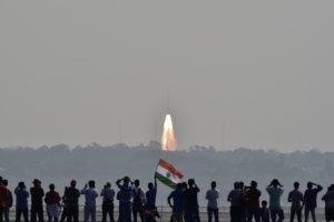 Rekordas Indijoje: raketa iškėlė per 100 palydovų spiečių