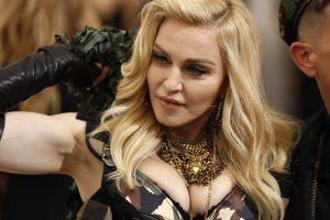 Madonna savo įvaikintuosius pasiėmė į Malavį atidaryti naujo ligoninės skyriaus