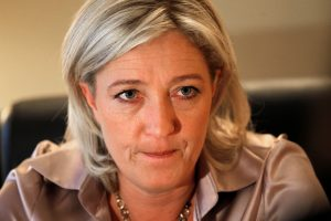 M. Le Pen pinigus rinkimams renka internetu