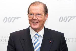 Mirė legendinį Džeimsą Bondą vaidinęs R. Moore'as