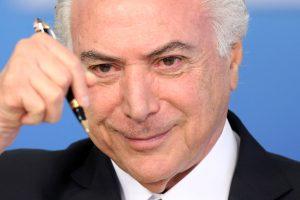 Brazilijos parlamentas atmetė siūlymą teisti prezidentą