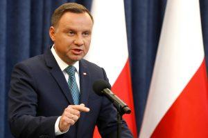 Lenkiją baus dėl bandymo įvesti teismų reformą?