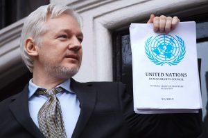 """""""WikiLeaks"""" kelia pavojų amerikiečiams?"""