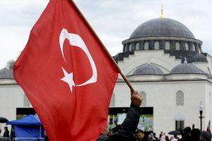 Turkijoje atleista 2,5 tūkst. religinės bendruomenės tarnautojų